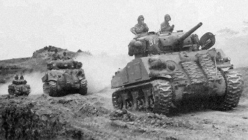 medium tank m4 tanks in world war 2. Black Bedroom Furniture Sets. Home Design Ideas